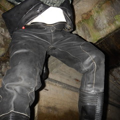 Aquala-Kanal6929 (Kanalgummi) Tags: sewer exploration rubber drysuit trockenanzug bomber jacket bomberjacke worker goutier kanalarbeiter