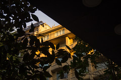 Barrio Lastarria, Santiago. (Katherine Ruiz Atal) Tags: street ciudad symmetry arquitecture
