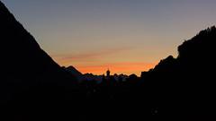 Das letzte Licht ... (thunderbird-72) Tags: kirche alpen silhouette sterreich vorarlberg alps sonnenuntergang abendrot berge austria klostertal dalaas orange pfarrkircheheiligeroswald at