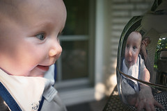 Wer bin ich? (explored) (funk_explosion) Tags: fujix100 tochter selbstwahrnehmung baby reflection spiegelung