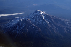 Aerial view of Mount Shasta and Shastina, Siskiyou County, California (cocoi_m) Tags: aerialphotograph aerial nature geology geomorphology mountshasta shastina siskiyoucounty california cascaderanges 4322m volcano 14179feet
