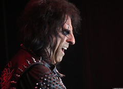 20120808_04 Alice Cooper at Liseberg | Gothenburg, Sweden (ratexla) Tags: show life people musician music man men guy celebrity rock musicians gteborg person concert europe artist tour rockstar sweden earth live famous gothenburg gig performance guys dude entertainment human liseberg artists rockroll horror shock celebrities sverige celebs rocknroll musik dudes scandinavia celeb humans scandinavian konsert 2012 alicecooper goteborg tellus homosapiens organism storascenen photophotospicturepicturesimageimagesfotofotonbildbilder notintheeternityset canonpowershotsx40hs 8aug2012