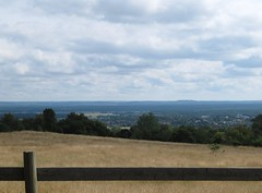 A closer view of the plain of Skne. (Ia Lfquist) Tags: cloud skne view hiking hike led vy plain vandring moln skneleden sltt vandringsled