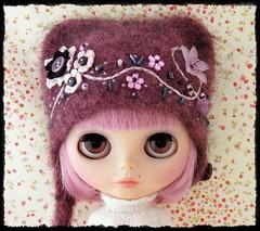 New Hat (Leshan1) Tags: hat doll crochet lilac blythe leshan rbl feltedhat blythecustom blythedress dollcrochet blythecrochet leshancrochet leshancustom