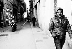Barcelona Raval (Hiroyasu Hosoya) Tags: barcelona street leica viaje portrait people bw espaa landscape blackwhite spain 28mm streetphotography bn m8 28 elmarit 28elmarit