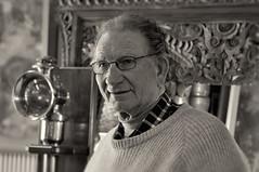 Braidwood vintage lamps - Robert Aernout (screenstreet) Tags: portrait antiques collectables braidwood tamron90mm silverefexpro theoriginallampshop robertaernout vintageandantiquelamps