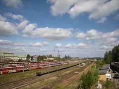 sk 023 (venus.8100) Tags: road sky station clouds train railway tory droga kolej chmury pocig dworzec wiadukt stacja skaryskokamienna