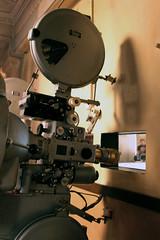 Projektor projeziert etwas. (sabinebrenda) Tags: cinema berlin kino passage projektor celluloid kinosaal filmvorfhrer filmplakate filmdosen programmkino filmspulen filmspule projektorraum