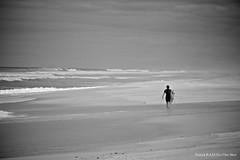 St Girons les plages (Patrick KAAS) Tags: bw white black france eye nature st les canon french one und frankreich noir shot surfer natur patrick surfing nb sw et weiss blanc schwarz kaas plages surfeur girons