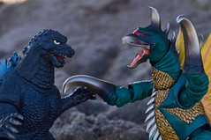 (zilladon) Tags: godzilla actionfigures monsters manualfocus kaiju bandai japanesetoys gigan manualexposure revoltech japanesemonsters