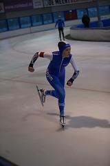A37W6974 (rieshug 1) Tags: speedskating schaatsen eisschnelllauf skating nkjunioren knsb nkjuniorenallroundafstanden afstanden allround 50010001500massstart demeent alkmaar sportcomplexdemeent juniorenc ladies dames 500m