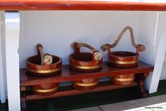 3 petits sceaux (ricodeclic) Tags: ericmuller photoericmuller france été brest bretagne ancien vieux bateau bateauclassique boat classicboat canot voile voilier cuauhtemoc mexique brest2016