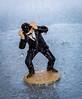 Dupont sous la pluie... (ReactorOne) Tags: tintin dupont jumeaux orage pluie tempête extérieur eau figurines bibelots jouets silhouette