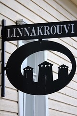IMG_0154 (www.ilkkajukarainen.fi) Tags: wood sign metal finland suomi scandinavia europa eu linna castle krouvi savonlinna