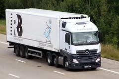 Mercedes Actros new look YA12 KKM (gylesnikki) Tags: white truck artic mp4 2012 reedboardall