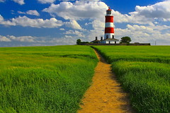 Un sentiero per le nuvole / A path to the clouds (AndreaPucci) Tags: uk summer lighthouse clouds faro holidays nuvole day estate cloudy path norfolk sentiero regnounito vacanze norfolkbroads canonef24105mmf4lis canoneos60 happisburg andreapucci mygearandme
