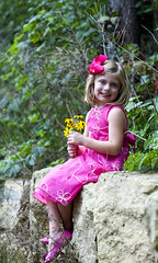 Emma turns Five (charlieachds) Tags: family trees portrait leaves kids rocks outdoor session memorycorner memorycornerportraits