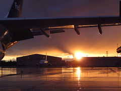 A300 Sunrise 3 (soul_motor) Tags: sunrise airport rainyday aircraft united cargo airbus fedex goldenhour 737 cle a300 safaa n27213 n732fd
