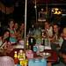 Janta num típico restaurante tailandês