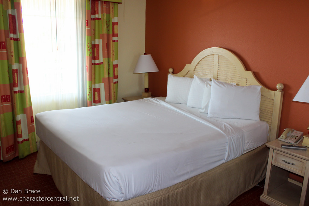Nickelodeon Suites Resort At Disney Character Central