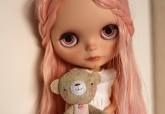 Looking tired (buganville) Tags: pink disco japanese doll teddy little tired boogie blythe custom takara mueca tyrion ebl buganville reroot shershe