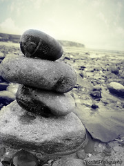 pebble stack (tracysuzanne21) Tags: sea shells beach photography blackwhite seaside sand bright stones samsung pebbles st200f