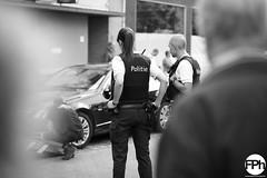 Flikken Bree (Frankhuizen Photography) Tags: flikkenbree bree belgium 2016 street straat candid bw zw black white zwart wit fotografie photography police politie