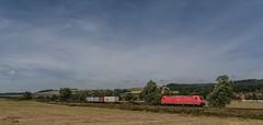 2089_2016_07_10_Haunetal_Neukirchen_DB_185_358_mit_Containerzug_(5_Container)_KT_50332_Wackerwerk_-_Hamburg_Waltershof_Alte_Süderelbe (ruhrpott.sprinter) Tags: ruhrpott sprinter geutschland germany nrw ruhrgebiet gelsenkirchen lokomotive locomotives eisenbahn railroad zug train rail reisezug passenger güter cargo freight fret diesel ellok hessen haunetal neukirchen db bobymeridian cancantus dispo eloc mrcedispolok rhc railpoolrpool setg txlogistik 152 185 193 411 415 428 1266 es64f4 ice r5 hilfszug trecker heuwender kornfeld weizen cocoon alien helikopter outdoor logo natur blumen tiere rinder schmetterlinge graffiti