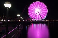 Seattle wheel (jeff's pixels) Tags: seattle wheel light night ferris reflection washington water front longexposure exposure