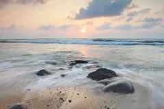 浪起 (Lavender0302) Tags: 夕陽 六塊厝 屯山 淡水 新北市 台灣 taiwan sunset