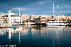 Puerto de Valencia (Juan Miguel) Tags: juanmiguel mediterrneo sonyalpha700 tamron1750 agua architecture arquitectura barco boat fotografaurbana mar puerto reflection reflejo sea urban urbana water ciudad city