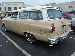 1955 Ford Ranch Wagon (splattergraphics) Tags: 1955 ford ranchwagon wagon stationwagon carshow huntvalleyhorsepower huntvalleytownecentre huntvalleymd