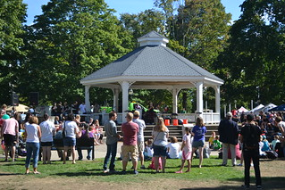 Gazebo Audience 02