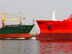 Ship-Ship (tord75) Tags: ship texas houston bow skip tanker deerpark shipchannel houstonshipchannel odfjell odfjelltankers bowflora
