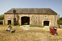 Les Arques (dprezat) Tags: lesarques zadkine sculture maison eglise village midipyrénées quercy sudouest lot 46 departementdulot france patrimoine sonyalpha700 occitanie occitania
