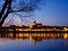 The city of Torun in Poland (Frans.Sellies (off for a while)) Tags: heritage church night geotagged poland polska unescoworldheritagesite unesco worldheritagesite clear polen unescoworldheritage torun polonia worldheritage weltkulturerbe whs pologne patrimonio worldheritagelist welterbe  polsko kulturerbe patrimoniodelahumanidad heritagesite unescowhs  patrimoinemondial poljska polonya  werelderfgoed vrldsarv   heritagelist werelderfgoedlijst verdensarven  anpholainn        ph574 p1440680 geo:lat=5300490760193127 geo:lon=18610545827075157