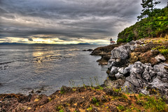 Lime Kiln Point (Arian Durst) Tags: ocean sunset lighthouse canada washington cloudy britishcolumbia hdr sanjuanisland limekilnpoint limekilnpointstatepark