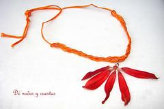 Reto Septiembre (De nudos y cuentas) Tags: flor knot naranja braid nudo noeud trenza rocalla rocallas soutache