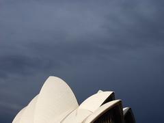 Mendung ~ Sydney (Krisna Setiawan) Tags: sky oz sydney australia circularquay newsouthwales aussie operahouse harbourbridge langit flickrunited krisnasetiawan gedungopera