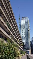 Heron Apartments (The Heron) (EZTD) Tags: london skyscraper photo foto fotograf photos sony photographs photograph fotos londres lin dslr londra 2012 cityoflondon londinium citypoint ec2 photograf silkstreet fotograaf londonengland photographes moorlane londonphotos barbicanestate bankflats southbarbican thehighwalks eztd eztdphotography sonydslra500 september2012 photograaf heronapartments eztdphotos leeztd dereztd eztdgroup no1photosoflondon londonimagenetwork ceztd