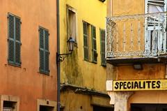 (Jean-Luc Lopoldi) Tags: coinderue sud vieilleville urbandecay enseigne murs ocre couleurs sale
