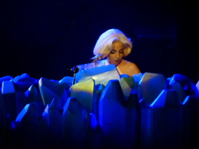 Lady Gaga - artRAVE- The ARTPOP Ball - Zénith, Paris (2014)