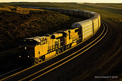 Sunset on Peru Hill (Colorado & Southern) Tags: unionpacific gees44ac emdsd70m manifest manifesttrain trains train railfanning railroad railfan railway railroads railroading wyoming wyomingtrains wyomingrailroads greenriverwyoming