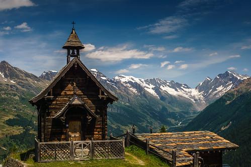 Holzkapelle über dem Lötschental