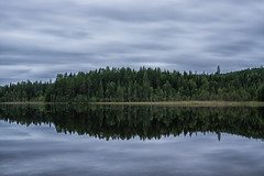 Reflections (lindblomlinus) Tags: lake reflection reflect mirror longexposure tree trees green blue sky landscape landskap swe sweden sverige clouds cloud skyglory skylovers vsterbotten sigma sigma1750 pentax