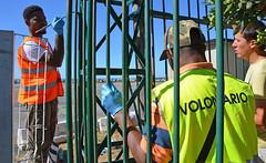 Kennedy13 (Genova citt digitale) Tags: richiedenti asilo genova piazzale kennedy agosto 2016 volontari nigeria lavoro ilva