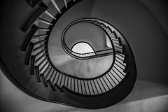 Stairway to Heaven - Shaker Village of Pleasant Hill Kentucky (Klaus Ficker --Landscape and Nature Photographer--) Tags: shakervillage shakervillageofpleasanthill stairway bw old oldbuilding oldhouse usa kentucky kentuckyphotography klausficker canon eos5dmarkii