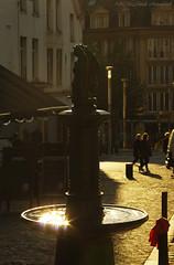 Sweet Brussels (Natali Antonovich) Tags: sweetbrussels brussels belgium belgique belgie sculpture water street sablon dezavel light fountain style parallels