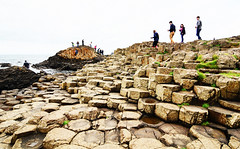 People at Giant`s Causeway - Northern Ireland (renata_souza_e_souza) Tags: ireland september 2016 trip travel giantscauseway northernireland uk geology rockformations basalt beach group people youth holidays vacation