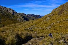 Crossing (virtophotography) Tags: adventure blue crossing mountain free hike aventura travessia azul montanha yellow
